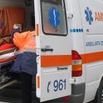 Un tânăr a fost acroșat de un autoturism în această seară la Vinerea