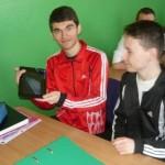 """Colegiul Naţional """"David Prodan"""" Cugir a primit 10 tablete prin proiectul """"Education Mobile"""""""