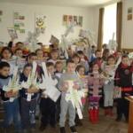 """Incursiune în """"lumea dinozaurilor""""… efectuată de elevii de la școlile Nr. 3 din Cugir şi """"Ioan Mihu"""" din Vinerea"""