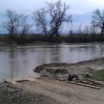 Șoferul dat dispărut ieri în râul Mureș este căutat în continuare însă șansele să mai fie găsit în viață sunt aproape nule