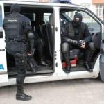 """Trei membri ai grupării """"Talibanii"""" din Cugir reținuți de poliție"""