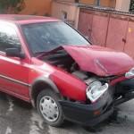 Drumul de pe strada Gării din Vințu de Jos s-a dovedit a fi prea îngust pentru doi șoferi cu alcoolemie