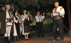 festival-poiana-cu-goruni-vinerea