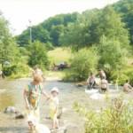 Lipsa unui ștrand în Cugir i-a făcut pe cugireni să ia cu asalt râurile din apropiere