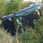 Un bărbat din Vinerea aflat sub influența băuturilor alcoolice s-a răsturnat cu mașina în șanț