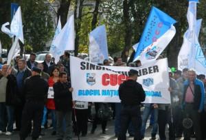 protest-sindicate-cugir-prefectura-alba