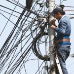 Dreptul de acces pe proprietatea oraşului pentru furnizorii de reţele de comunicaţii va fi dezbătut vineri în ședința Consiliului Local Cugir