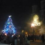 Sosirea Noului An a fost sărbătorită în stradă de peste 1000 de cugireni