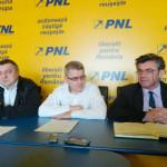 """Senatorul PNL Teodor Atanasiu: """"Aşteptăm PDL să fuzioneze cu liberalii"""""""