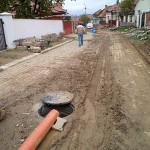 Locuitorii din Cindeni şi edilii Cugirului, nemulţumiţi de derularea lucrărilor la reţelele de apă şi canalizare