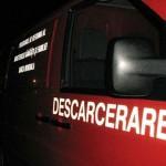 5 tineri grav răniți la Cugir după ce autoturismul în care se aflau s-a izbit violent de un gard
