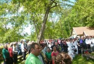 sarbatoarea-salcamului-la-ceru-bacainti-mai-2014