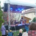 """Peste 500 de spectatori în prima zi a Festivalulului """"Zilele Tineretului"""" de la Cugir. Astăzi vor concerta Nightloosers, Ducu Bertzi şi alţi artişti de renume"""
