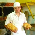 """Pâinea din """"Câmpul Pâinii"""": pita """"Lae Pecu"""" din Cugir, pe cale de a deveni marcă înregistrată la OSIM"""
