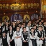 """Ieri, la Biserica """"Sfinţii Apostoli Petru şi Pavel"""" din Vinerea, a avut loc prima ediţie a festivalului """"Colinda, o Evanghelie populară"""""""