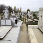 Din cauza spaţiilor insuficiente din capele, morţii din Cugir nu mai au loc de priveghere