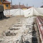 Reparaţiile la podul din faţa U.M. Cugir, sistate temporar în favoarea unui drum de acces spre Bucuru