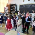 Spectacol dedicat Zilei Femeii organizat de elevii clasei pregătitoare de la Școala Gimnazială Nr. 3 din Cugir