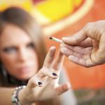 O elevă din Cugir a ajuns ieri la secția UPU a Spitalului județean din Alba Iulia după ce a fumat o țigară cu substanțe etnobotanice