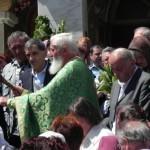 """Circa 300 sute de credincioși au luat parte la slujba de Rusalii ținută la Biserica """"Adormirea Maicii Domnului"""" din Cugir"""
