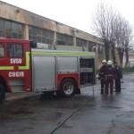 Acoperișul unei hale dezafectate din Cugir în flăcări