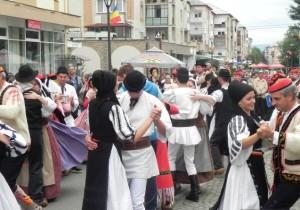festival-cugir-vinerea-2015-ziua-intai