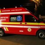 Microbuz răsturnat după ce a intrat în coliziune cu un cap de pod pe strada Râul Mare, din Cugir