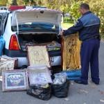 Obiecte de cult fără documente de provenienţă, confiscate de poliţiştii din Simeria