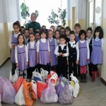 Campanie socială pentru sprijinirea persoanelor aflate în dificultate derulată la Şcoala Gimnazială Nr. 3 din Cugir