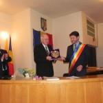 """Academicianul Gyenge Csaba a primit """"Medalia de Onoare a Orașului Cugir"""""""