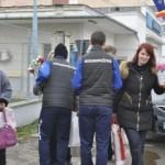 De 8 Martie, fotbaliștii de la Metalurgistul Cugir au împărțit flori doamnelor și domișoarelor