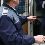 Trei tineri din Cugir reținuți de polițiști, după ce s-au luat la bătaie cu alți patru tineri, în fața unui local din Alba Iulia