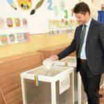 """Primarul orașului Cugir, Adrian Teban, votează în MALTA, """"cu dorinta de a merge înainte, ghidaţi de valorile care stau la baza UE"""""""