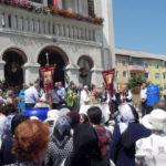 """Aproximativ 300 de credincioși au asistat la slujba de Rusalii ținută la Biserica """"Adormirea Maicii Domnului"""" din Cugir"""