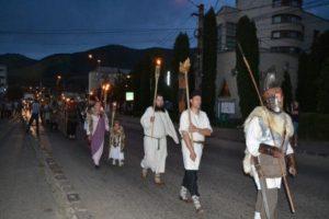festival-cetati-dacice-defilare-cu-torte-iun-2016