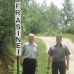 """Prin grija Asociaţiei """"PRO Cugir"""", în localităţile montane arondate Cugirului au fost amplasate tăbliţe indicatoare"""