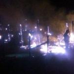 Pagube de peste 100.000 de lei, după ce un depozit de furaje din comuna Săliștea a ars în totalitate