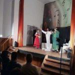 """Grupul """"Skepsis"""" din Alba Iulia a oferit o seară de neuitat locuitorilor din Vinerea, în cadrul proiectului educațional """"O tempora, o mores!"""""""