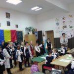 Ziua Națională a României sărbătorită, în avans, de elevii Școlii Gimnaziare Nr. 3 din Cugir