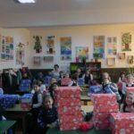 """Elevii clasei a II-a A de la Școala Gimnazială Nr. 3 din Cugir s-au alaturat proiectului caritabil """"Shoe Box"""""""