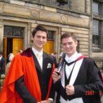 Doi fraţi, originari din Vinerea, oferă o bursă în valoare de 3.000 de lire sterline pentru tinerii români care doresc să studieze la celebra Universitate St. Andrews din Scoţia
