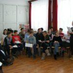 """Elevi ai Școlii Gimnaziale """"Singidava"""" din Cugir au adus un omagiu poetului național Mihai Eminescu, la 167 de ani de la naștere"""