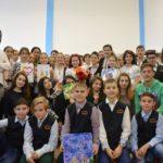 """Dragobetele sărbătorit de elevii Şcolii Gimnaziale Nr. 3 şi de cei ai Colegiului Național """"David Prodan"""" din Cugir"""