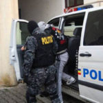 Bărbat de 33 de ani din comuna Şibot, reținut de polițiștii din Alba Iulia pentru tâlhărie și furt calificat