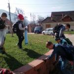 """Campania de curățenie """"Și mie îmi pasă de orașul meu"""" strânge tot mai mulți voluntari la Cugir"""
