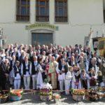 Urmând cu sfințenie o tradiție veche de peste 70 de ani, Păștenii din Cugir au dus pâinea și vinul în biserică pentru sfințirea acestora la Slujba de Înviere