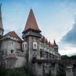Un bărbat de 30 de ani din Hunedoara a fost identificat de polițiști ca fiind principalul suspect în cazul furtului de la Castelul Huniazilor
