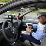 Bărbat de 58 din Sălistea surprins de polițiștii rutieri din Vințu de Jos în timp ce conducea, fără permis, un autoturism neînmatriculat la Săliștea Deal