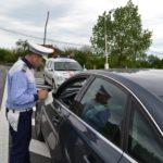 Minor de 17 ani din Cugir surprins de polițiștii rutieri în timp ce conducea un autoturism fără permis, pe strada Vasile Goldiș din Alba Iulia
