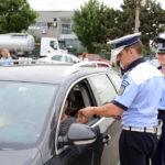 Bărbat de 32 de ani suprins de polițiștii rutieri în timp ce conducea un autoturism fără permis, pe strada Horia din Cugir